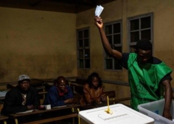 Election officials have denied allegations of ballot-box stuffing levelled by Renamo