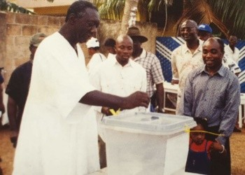 Former President, John Agyekum Kufuor, casting his vote during an election
